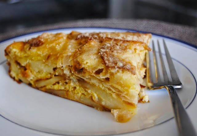 Картофельная запеканка с сыром и луком простое вкусное при этом сытное блюдо пошаговый рецепт с фото