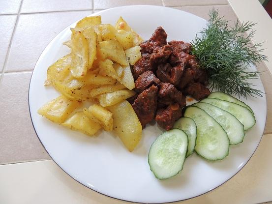 kartofel-zapechennyj-s-chesnokom