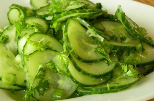 vitaminnyj-hrustyashhij-salat-iz-ogurczov