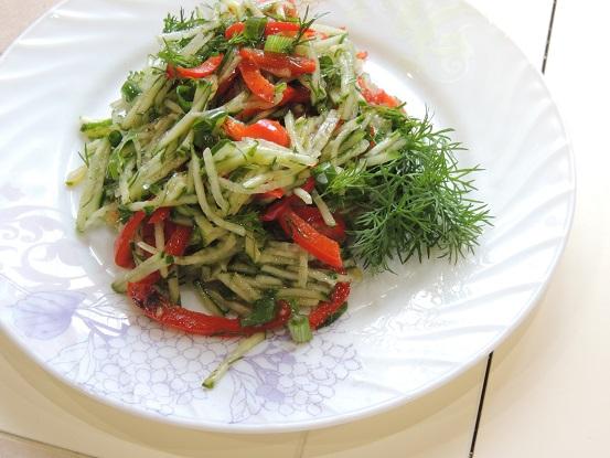 salat iz ogurcov