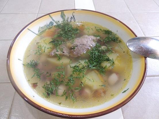 Суп из свинины с красной сухой фасолью