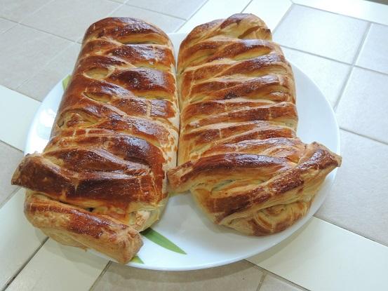 Вкусный пирог с фаршем и сыром на слоеном дрожжевом тесте
